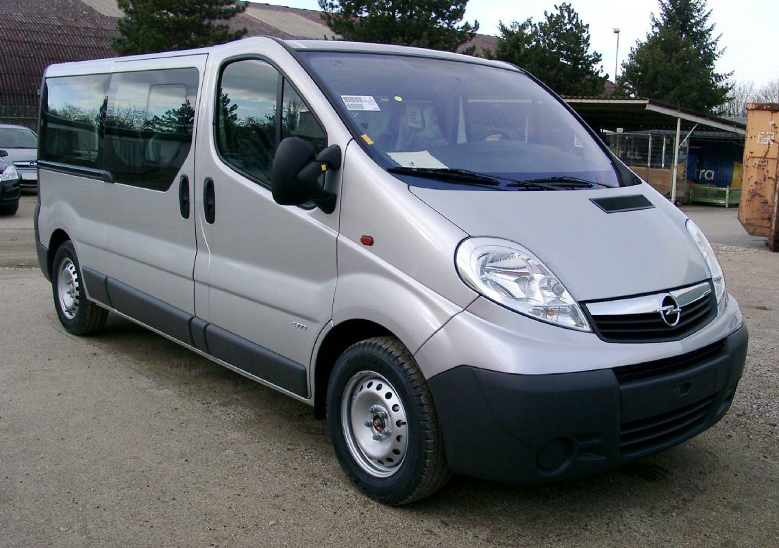 Rent a minibus 9 putnika